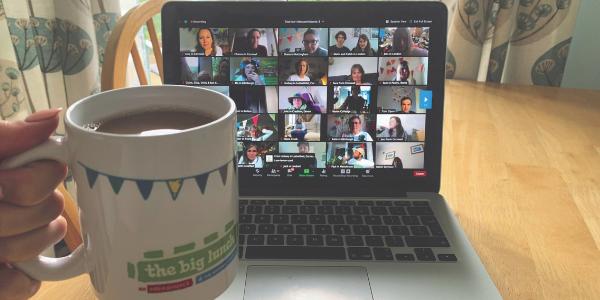 people meeting online